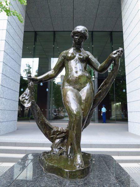 Midosuji Sculpture Street / Venus Au Voiles:E-14
