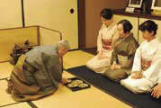 【e-よこ逍遥】重要文化財・旧小西家住宅でのお茶会