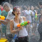 大阪で水かけ祭り開催!CRAZY RAINBOW !