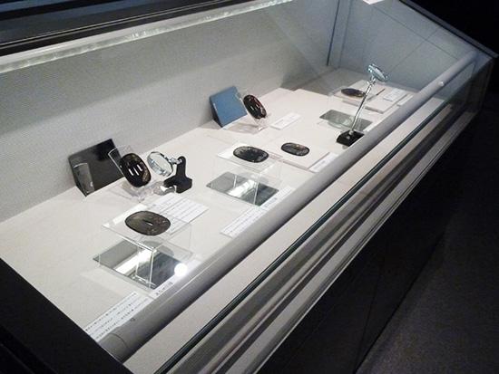 大阪歴史博物館 常設展示「阪井俊政の鐔」