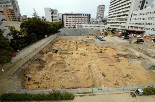 後期難波宮の朝堂院西方における発掘調査 現地説明会