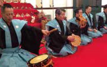 「五人囃子」(太鼓・大鼓・小鼓・笛・謡)の演奏