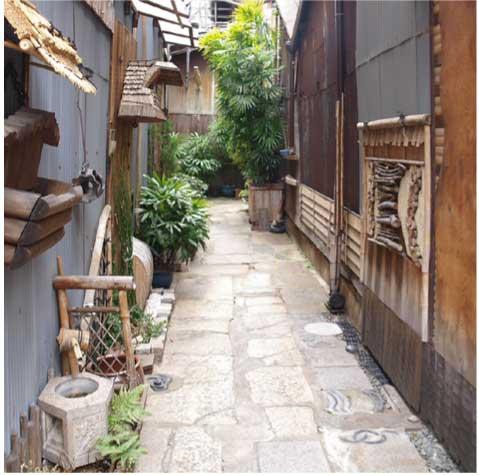 石畳の路地(空堀)