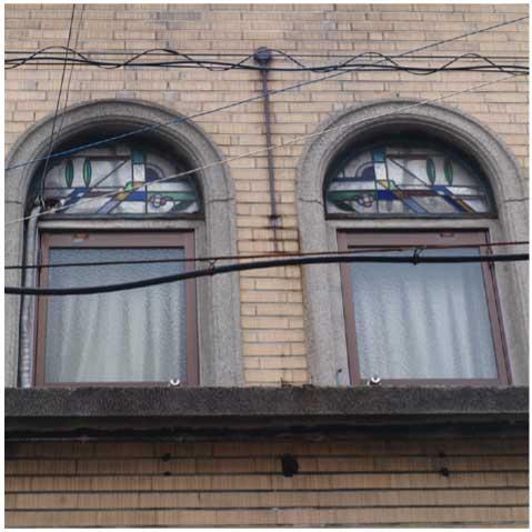 旧銭湯のステンドグラス(空堀)