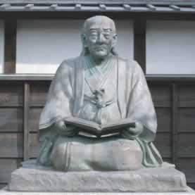 緒方洪庵の像
