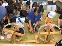 大阪歴史博物館 わくわく子ども教室「綿くり・糸つむぎ体験」