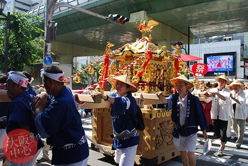 難波八阪神社夏祭り 陸渡御