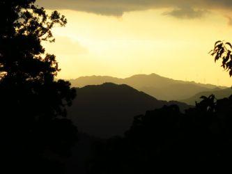 大門から見た夕景